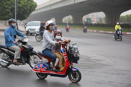"""Nguoi dan """"kho so"""" di chuyen vi suong mu giang tu phia - Anh 13"""