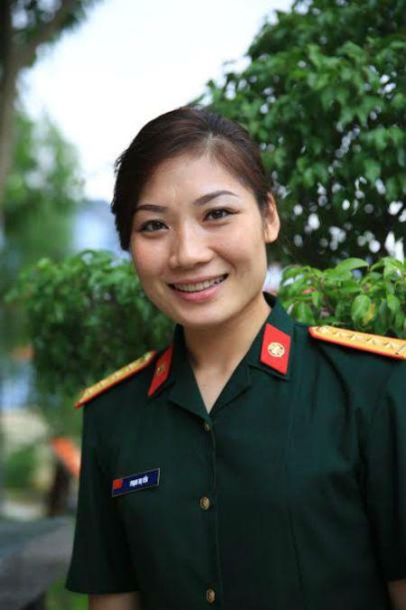 """""""Hotgirl"""" bong chuyen Pham Yen va chuyen rieng chua ke - Anh 3"""