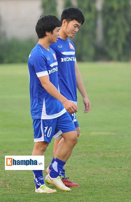 """Cong Phuong, Xuan Truong """"lam ma"""" o U23 Viet Nam - Anh 12"""