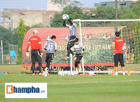 """Cong Phuong, Xuan Truong """"lam ma"""" o U23 Viet Nam - Anh 5"""