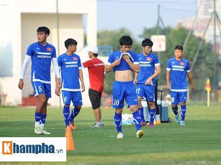 """Cong Phuong, Xuan Truong """"lam ma"""" o U23 Viet Nam - Anh 6"""