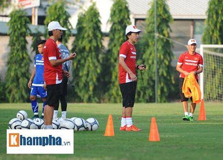 """Cong Phuong, Xuan Truong """"lam ma"""" o U23 Viet Nam - Anh 7"""