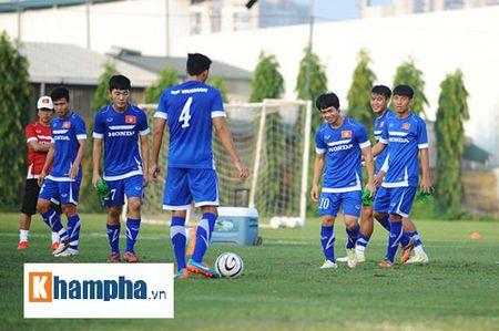"""Cong Phuong, Xuan Truong """"lam ma"""" o U23 Viet Nam - Anh 9"""