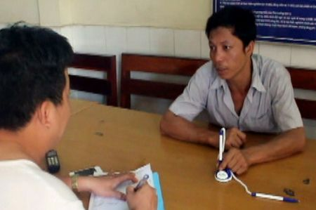 Tai xe container phe ma tuy tong canh sat giao thong - Anh 1