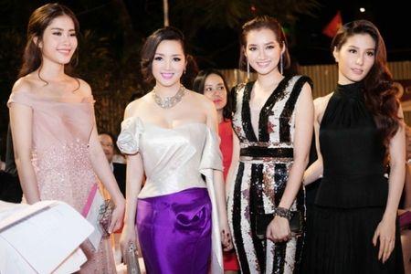 Giang My quyen ru voi vay duoi ca 80 trieu tai Lien hoan phim Viet - Anh 2