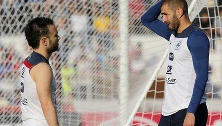 """Benzema phan phao Valbuena """"vu dung clip sex tong tien"""" - Anh 1"""