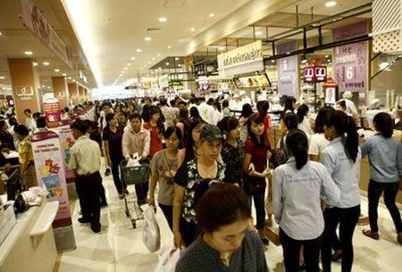 Ruc ro sac mau tai Aeon mall Long Bien - Anh 9