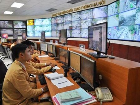 "Audio 2-12-2015: Ha Noi bat dau ""phat nguoi"" vi pham an toan giao thong - Anh 1"