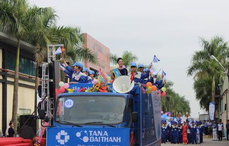"Tan A Dai Thanh to chuc thanh cong dai le hoi ""Suc tre tuoi 22"" - Anh 1"