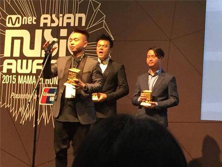 "Phuc Bo vinh danh ""Best Producer"" tai MAMA 2015 - Anh 5"