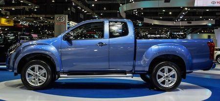 Isuzu khoe D-Max ban nang cap tai Motor Expo 2015 - Anh 2
