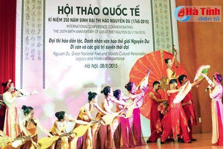 Tam voc mot Danh nhan van hoa the gioi - Anh 2