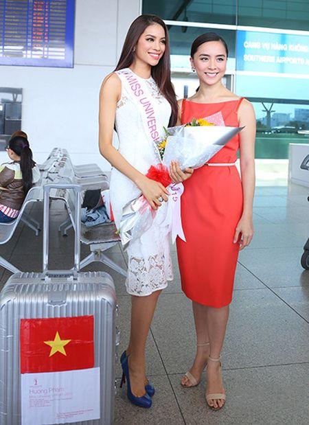 Pham Huong mang 8 vali sang My thi Miss Universe - Anh 5