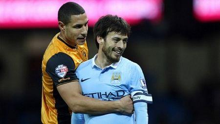 Silva duoc HLV Pellegrini ca ngoi sau man tro lai an tuong truoc Hull City - Anh 1