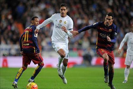 Vidal va Turan, hai la bai trong tay ao Enrique - Anh 1