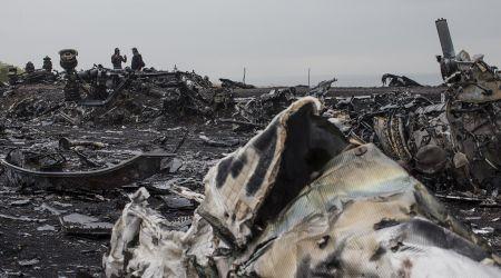 Mot canh sat Ha Lan bi bat vi rao ban manh vo vu MH17 - Anh 1