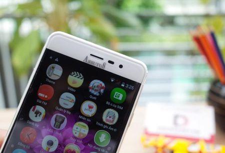 Arbutus AR5 - smartphone cong nghe Nhat tam gia 2 trieu dong - Anh 2