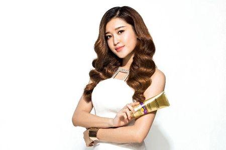 Huyen My, Lan Ngoc va Nha Phuong bien hoa voi sac trang - Anh 8