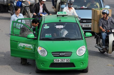 Nhung nghich ly ve cuoc taxi Viet Nam - Anh 2