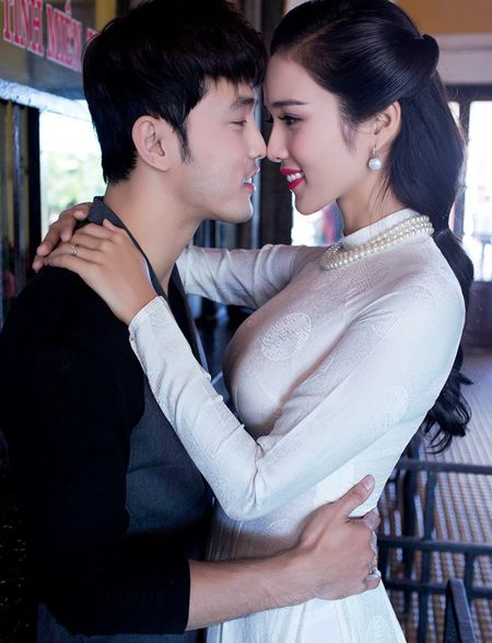 Ung Hoang Phuc: 'Toi van dung bua voi chong cu Kim Cuong' - Anh 1