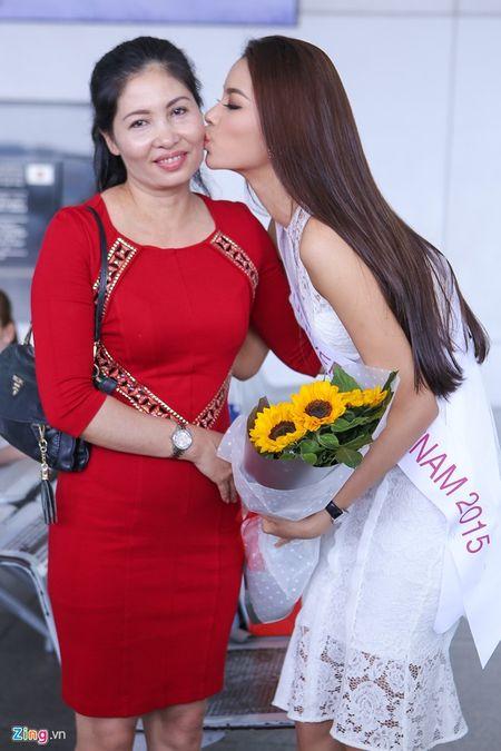 Pham Huong tam biet me len duong thi HH Hoan vu The gioi - Anh 3