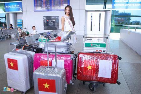 Pham Huong tam biet me len duong thi HH Hoan vu The gioi - Anh 4