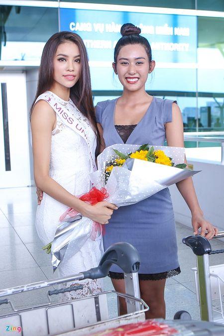 Pham Huong tam biet me len duong thi HH Hoan vu The gioi - Anh 6
