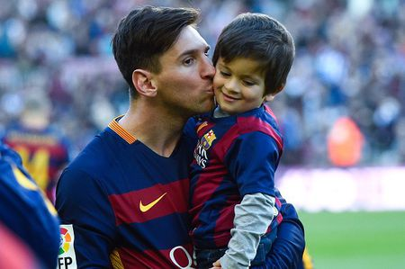 Messi chia se ve chan thuong, gia dinh va Ronaldo - Anh 1