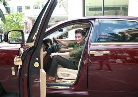 Nhung chiec xe tung 'qua tay' Dam Vinh Hung - Anh 1