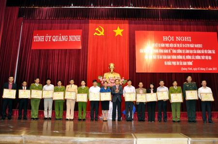 Quang Ninh so ket 3 nam thuc hien Chi thi 18 ve ATGT - Anh 1