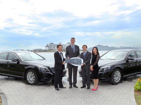 Mercedes-Benz Viet Nam ban giao xe S-Class cho Vinpearl Ha Long Bay Resort - Anh 1