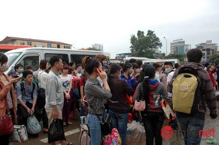 Bo GTVT: Khong de hanh khach khong co phuong tien ve que don Tet - Anh 1