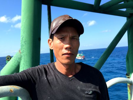 Tau Trung Quoc tang dot bien quanh bai ngam Ba Ke - Anh 2