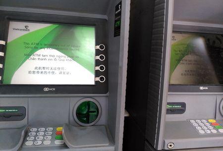 Hang loat ATM nghi Tet som - Anh 1