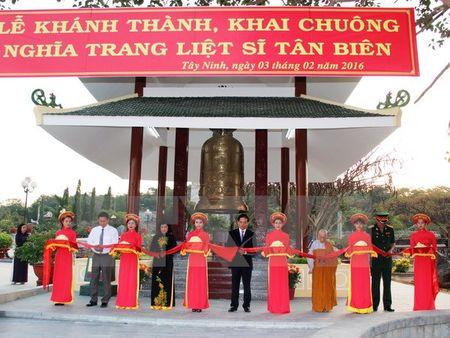 Khanh thanh Nha thap chuong nghia trang liet sy Tan Bien - Anh 1