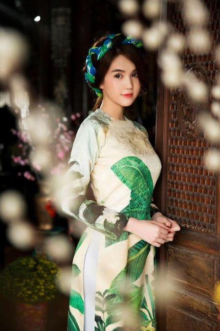Ngoc Trinh bong man ma, nhac kheo dai gia chuyen ket hon - Anh 1