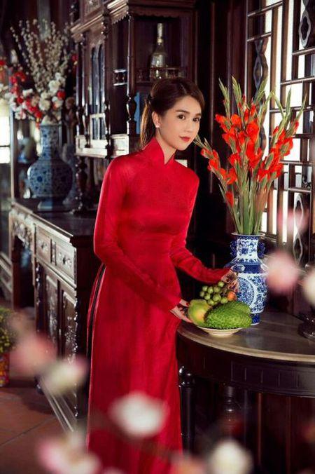 Ngoc Trinh bong man ma, nhac kheo dai gia chuyen ket hon - Anh 3