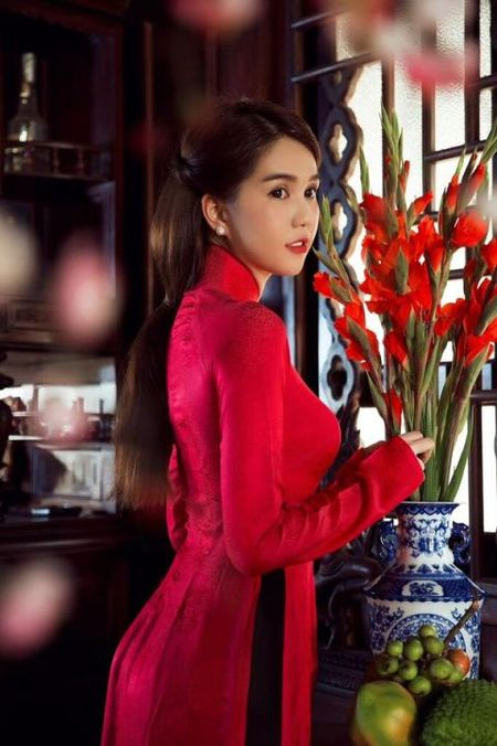 Ngoc Trinh bong man ma, nhac kheo dai gia chuyen ket hon - Anh 4