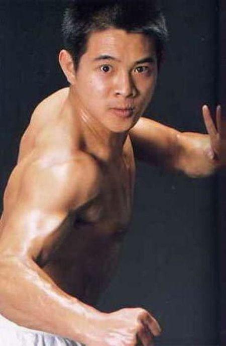 Ve nam tinh 'don guc' phai nu cua sao vo thuat Trung Quoc - Anh 15