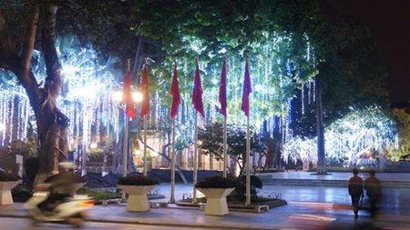 Ha Noi ruc ro ky niem 86 nam ngay thanh lap Dang (3/2/1930-3/2/2016) - Anh 4