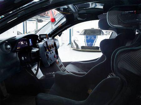 """Dot nhap"" gara sieu xe dua McLaren P1 GTR 820 ty - Anh 7"