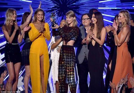 2015, nam cua Taylor Swift! - Anh 3