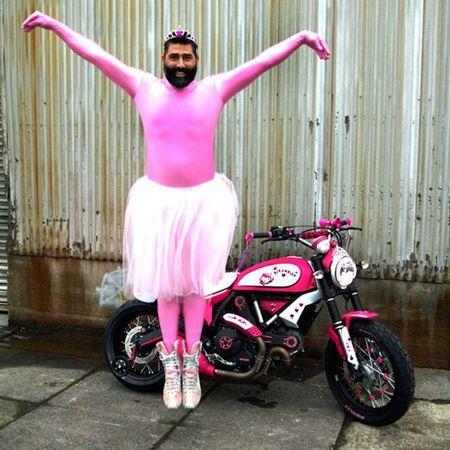 """Chet cuoi"" voi Ducati Scrambler ban do Hello Kitty - Anh 2"