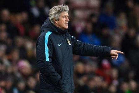 Man City se gianh danh hieu de tang cho Pellegrini - Anh 1