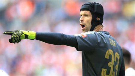 Arsenal lao doc, Cech van tin vao giac mo vo dich - Anh 1