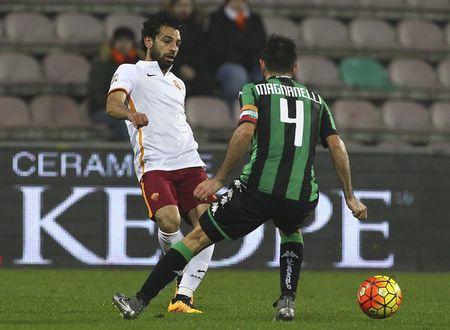 Vong 23 Serie A: 10 nguoi Roma danh bai Sassuolo - Anh 2