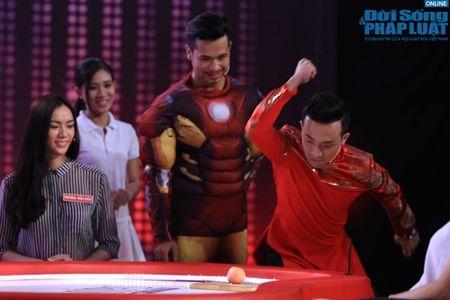 Tran Thanh mua vo Karate, chat tao bang tay - Anh 4