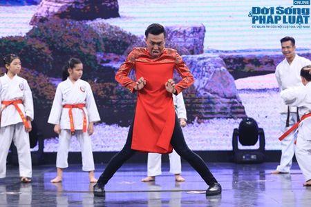 Tran Thanh mua vo Karate, chat tao bang tay - Anh 5