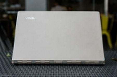 [Tren tay] Laptop Lenovo Yoga 900 - Chip Skylake, man hinh xoay 360 do - Anh 6