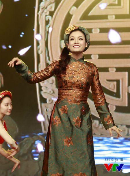 Tan Nhan rang ro voi sac dao o Xuan doan vien 2016 - Anh 7